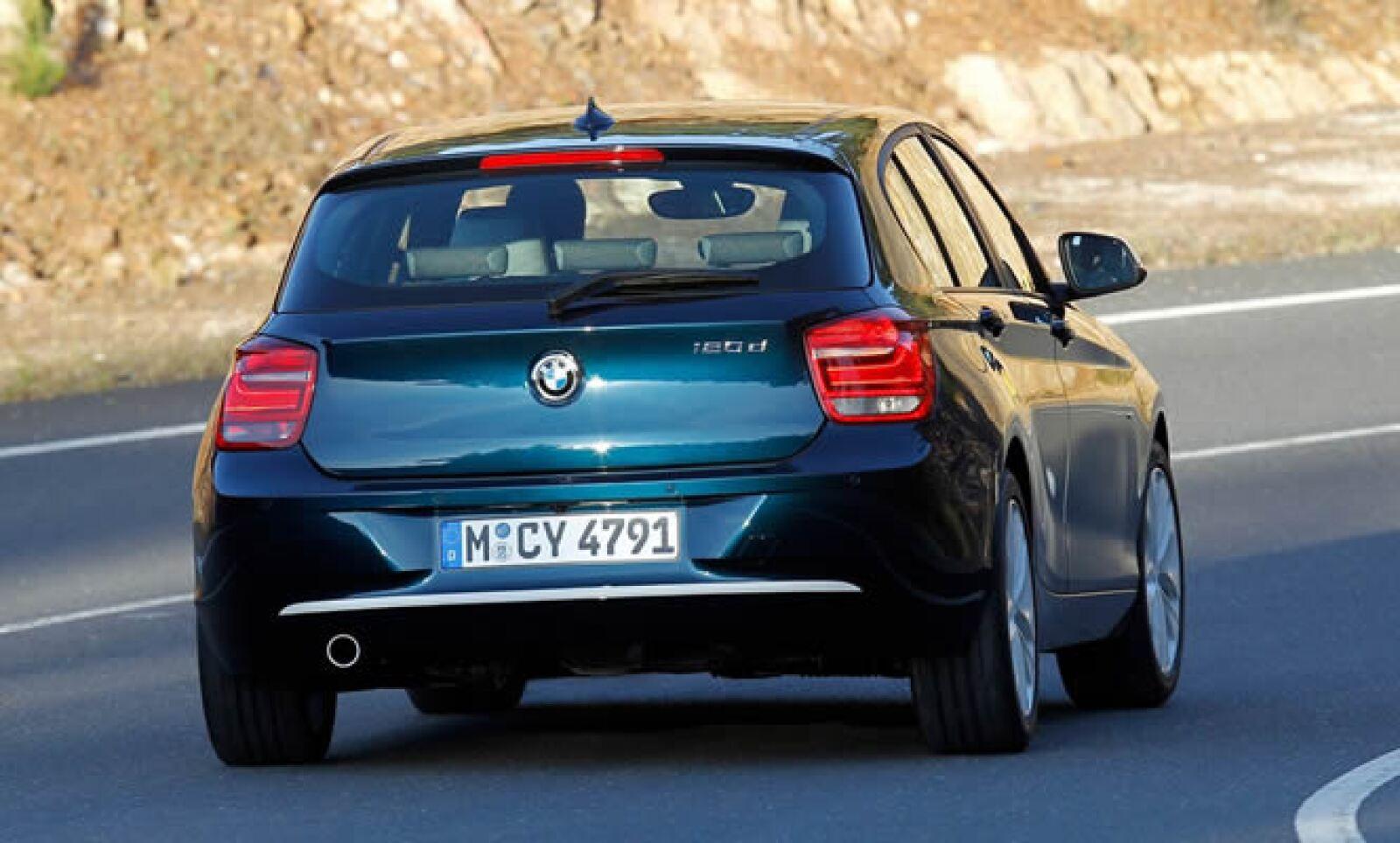 Por primera vez en México se añade la función ESH (Historial de Servicio Electrónico), que ofrece datos precisos en la pantalla del vehículo sobre los servicios realizados por un distribuidor autorizado BMW.