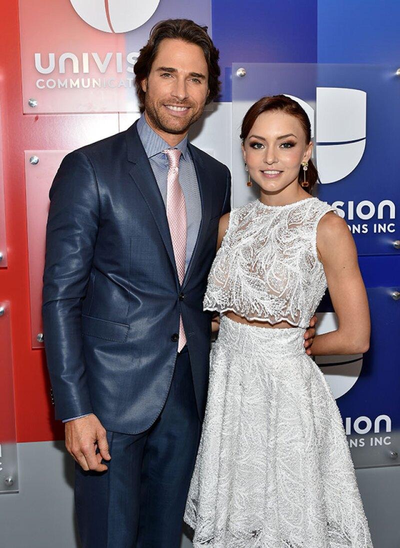 La actriz se dijo orgullosa del trabajo que está haciendo su novio en la telenovela Tres veces Ana, que ambos protagonizan.