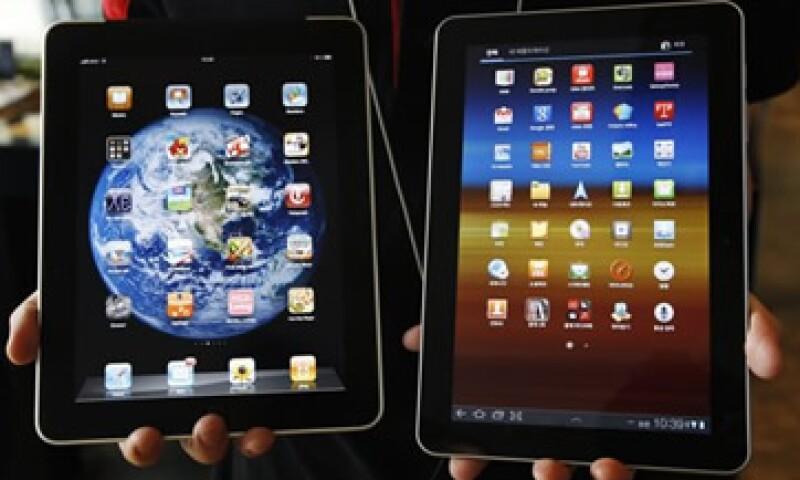 Apple acusa a Samsumg de copiar su interfaz de pantalla sensible al tacto. (Foto: Reuters)