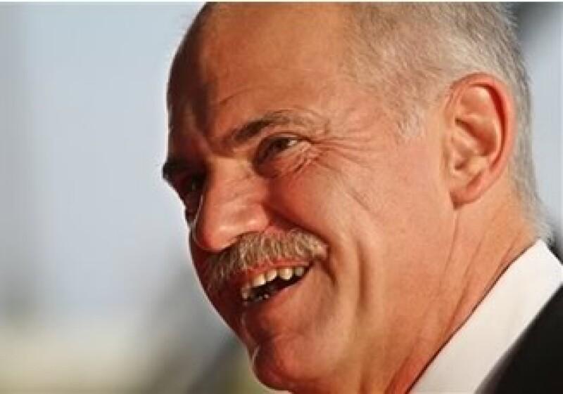 George Papandreou, primer ministro griego, anunció una baja del déficit presupuestario a 3% del PIB en cuatro años. (Foto: AP)