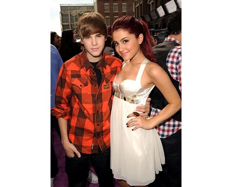 Justin y Ariana se conocen desde hace tiempo, es por eso que Justin decidió invitarla a abrir uno de sus conciertos.