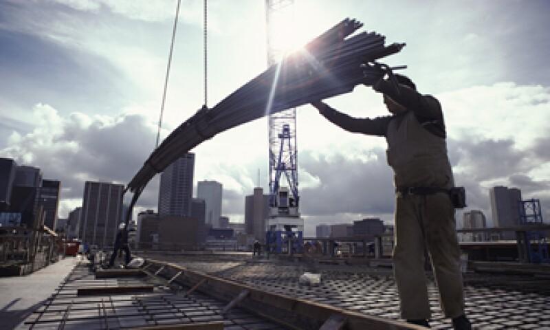 El Plan de Infraestructura incluyó también recursos para la vivienda y el sector salud, entre otros sectores. (Foto: Getty Images)