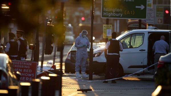 Autoridades de Londres llaman a la unión tras atentado contra musulmanes