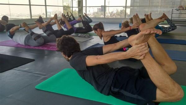 Clase de yoga en Green Yoga.