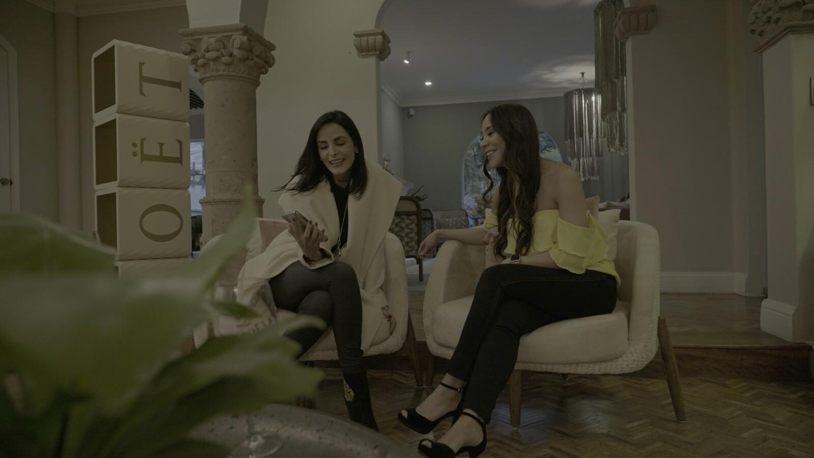 Ximena Herrera y Nancy Taira .jpg
