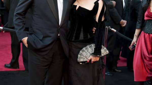 Tim Burton and Helena Bonham Carter eran un caos en la alfombra roja.