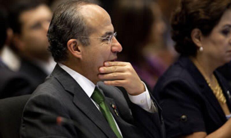 Felipe Calderón consideró como fundamental que una de las alternativas de crecimiento sea el comercio que verdaderamente permita a AL diversificarse. (Foto: AP)