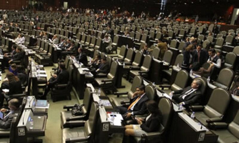 La Cámara de Diputados acordó también que el secretario de Hacienda, Luis Videgaray, explique el paquete económico. (Foto: Getty Images)
