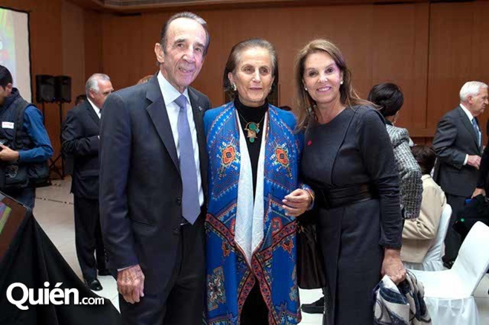 Manuel Arango,María Angélica Luna y Marinela Servitje