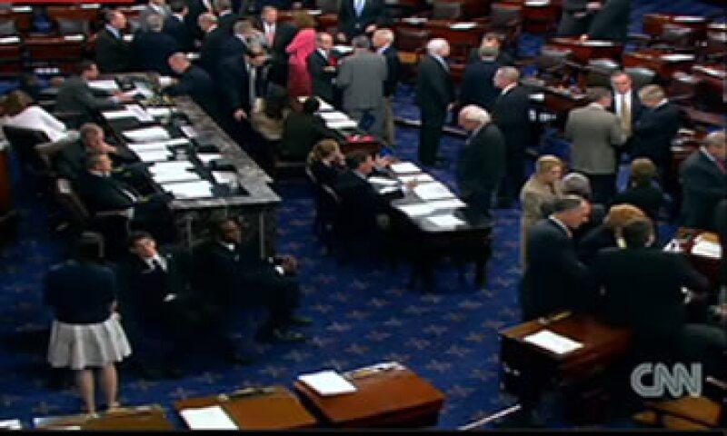 Los legisladores estadounidenses trabajaban apresurados el domingo para terminar los detalles de un acuerdo que eleve el límite de deuda del país  (Foto: Imagen tomada de CNNLive)
