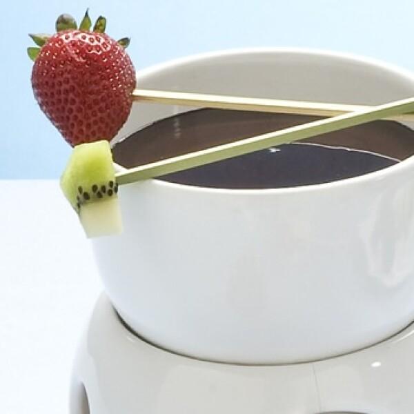 Combina la acidez de las frutas con el chocolate, y siente el contraste de temperaturas.