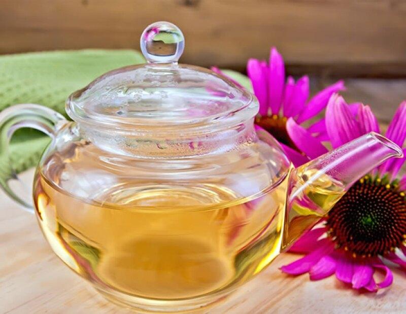 El té de equinácea te ayudará a sentirte con más energía y vitalidad a lo largo de tu día.