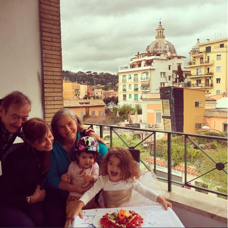 La pequeña celebró su cumpleaños en Roma, donde su mamá cumple con proyectos de trabajo.
