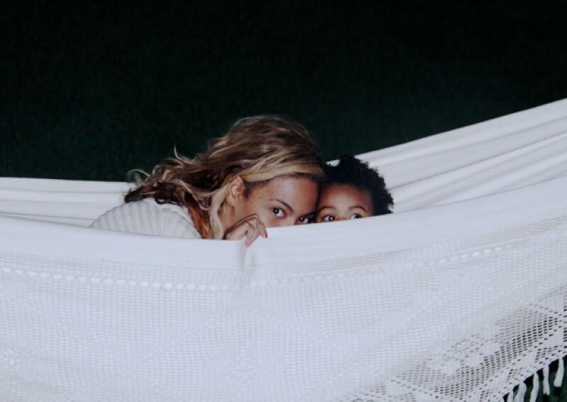 Aunque casi nunca podemos ver la cara de la pequeña Blue Ivy, esta vez Beyoncé compartió una imagen de sus ojos curiosos.
