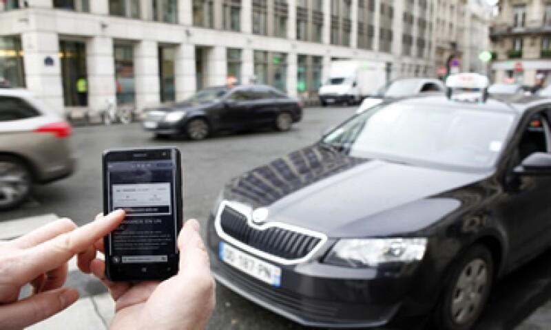 El juez de España considera que los conductores de Uber carecen de autorización administrativa para desarrollar la labor. (Foto: AFP )