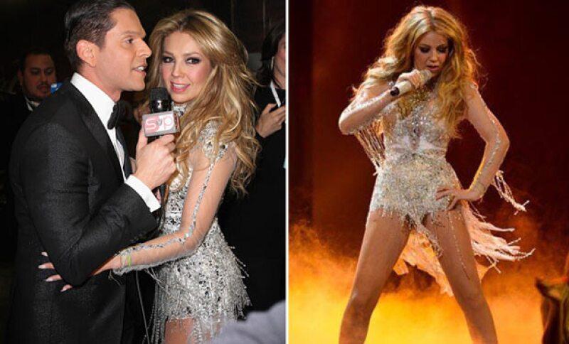 Tras su paso por el red carpet, Thalía se transformó con un jumpsuit que la hacía lucir sensual para su presentación.
