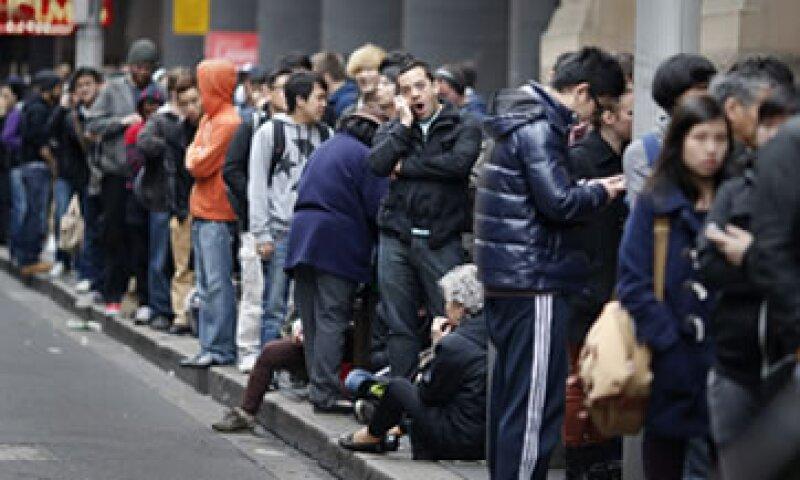 Se estima que 600 personas esperaron para comprar un máximo de dos iPhone 5 en Sídney. (Foto: Reuters)