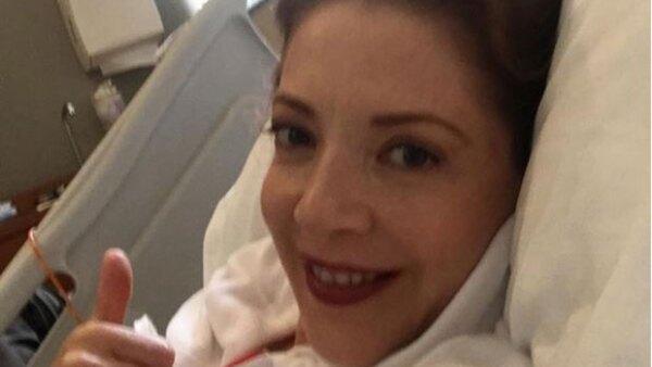 Desde el hospital,la actriz anunció que fue intervenida quirúrgicamente para retirar de la base abdominal de su cuerpo tejido canceroso.