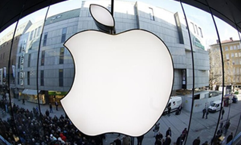 El valor de mercado de Apple supera en 260,000 mdd al de su principal rival, Microsoft. (Foto: Reuters)