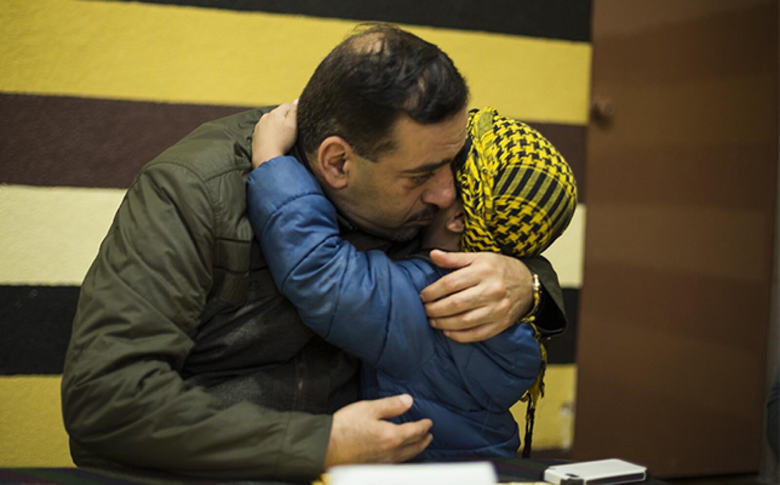 Khaldoun pudo rescatar a su hermano Said y su familia, pero ha perdido casi 30 familiares en la guerra de Siria.