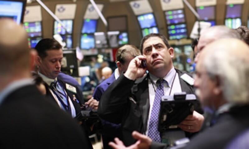 Los débiles datos de la economía de EU sorprendieron a inversores tras una serie de indicadores positivos en los últimos meses. (Foto: Reuters)