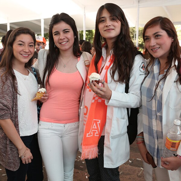 Estefania Benhunea, Bárbara Podesta, Mariana Llano y Yameli Lerma