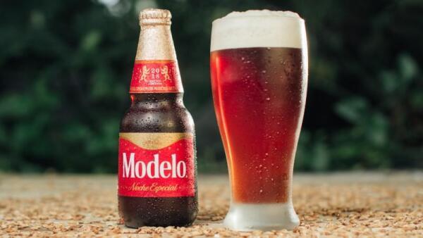 ¿Navidad en octubre? Así quiere celebrarla Cerveza Modelo