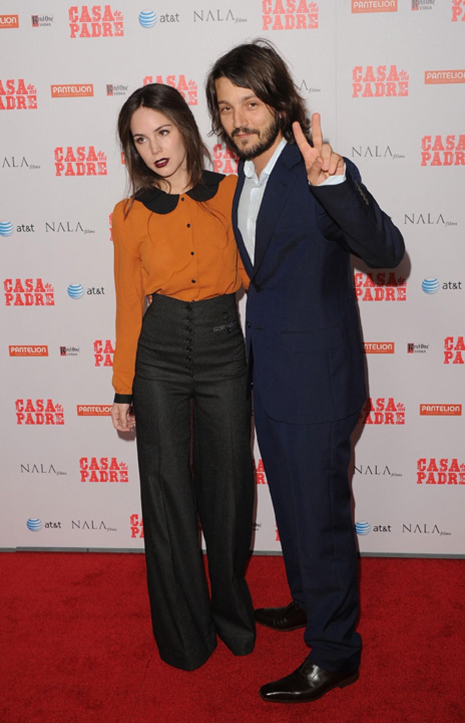 Camila Sodi y Diego Luna siguen felices y muy enamorados.