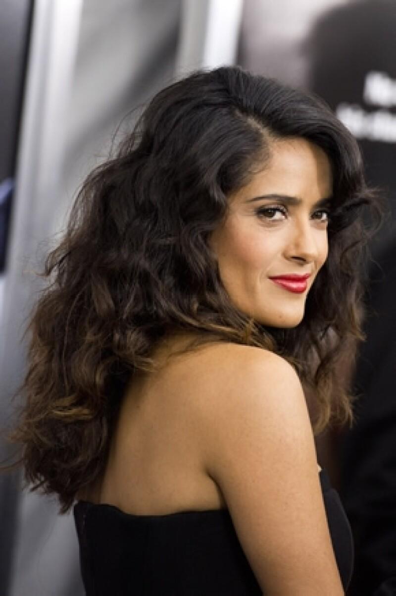 La actriz dijo en entrevista que gracias a sus raíces es que su condición de estrella no le ha despegado los pies del suelo.
