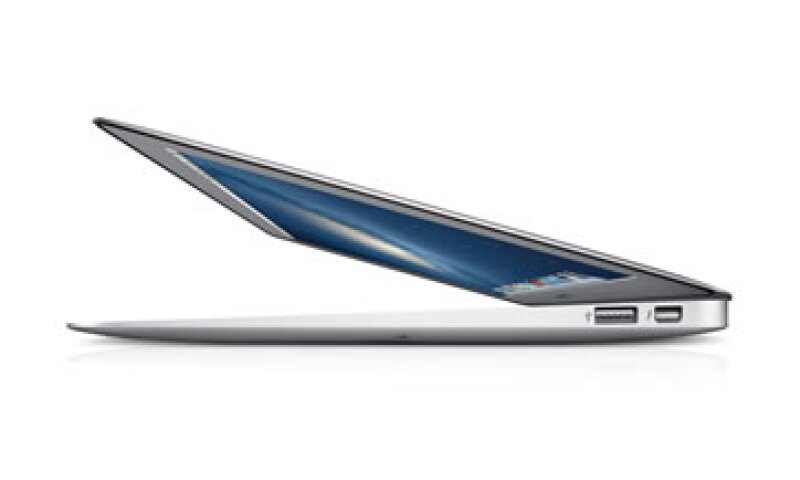 Actualmente, la laptop MacBook Air viene con un puerto USB y un puerto MagSafe de carga. (Foto: Cortesía Apple)