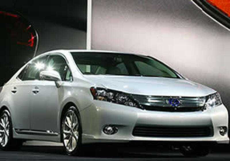 El Lexus HS250h tiene un motor de 2.5 litros. Su precio mínimo será de 42,600 dólares. (Foto: AP)