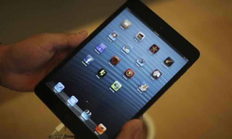 La iPad mini tiene un costo base de 329 dólares y es en un tercio más pequeña que la iPad normal.  (Foto: Reuters)