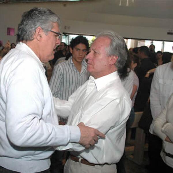 Nelson Vargas recibió el apoyo de Alejandro Martí en una misa dedicada a la memoria de Silvia, su hija, también asesinada por sus secuestradores.