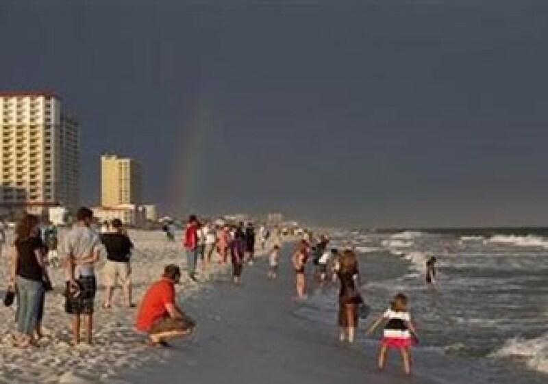Las playas de Florida, con más de 80 millones de visitantes al año, no fueron abandonadas a causa del derrame. (Foto: Reuters)