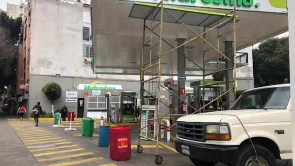 Gasolinería cerrada