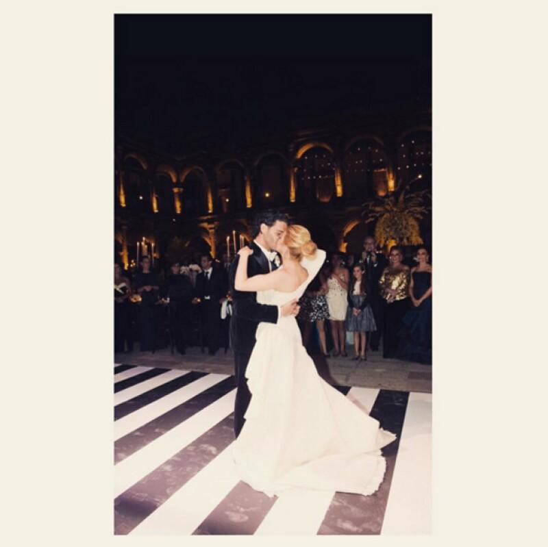 A cinco años de haberse unido en matrimonio, la pareja sigue más enamorada que nunca y así lo han demostrado en su perfil de Instagram.