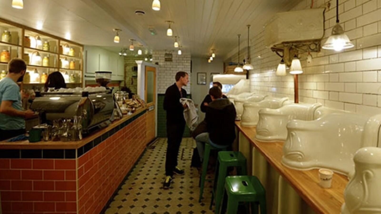 The Attendant bano restaurante Londres