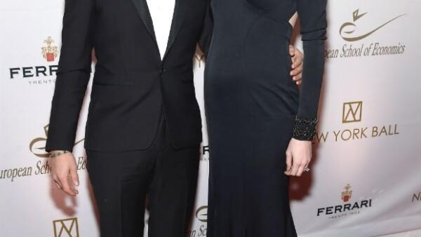 La top model dejó ver los primeros signos de su embarazo al posar con todo el estilo que la caracteriza la noche del miércoles en el evento The New York Ball.