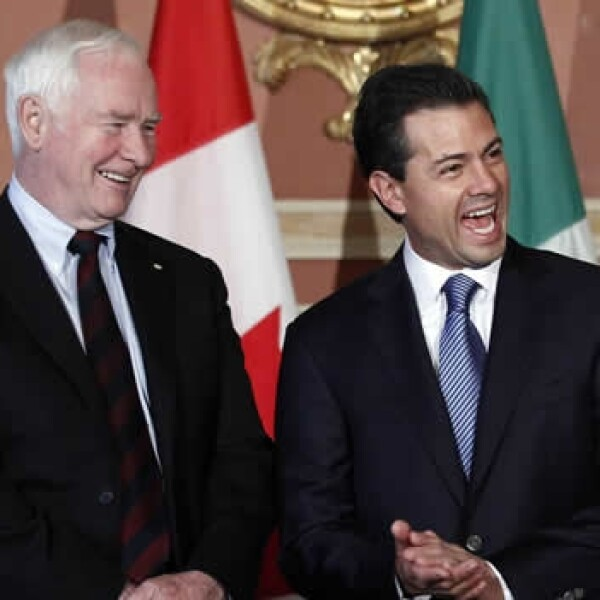 peña nieto con david johnson