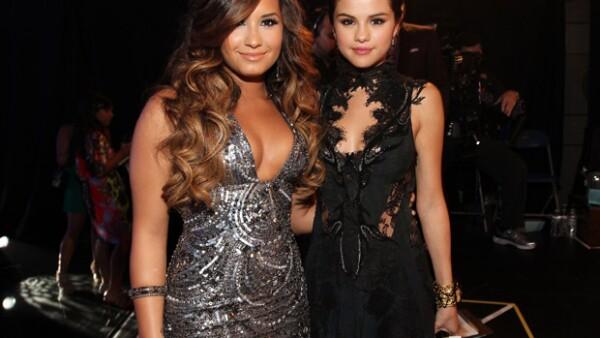 Como portada de Complex, la cantante habla sobre sus más íntimos secretos, siendo uno de ellos el que más llamara la atención, pues trata de su relación con la ex de Justin Bieber.