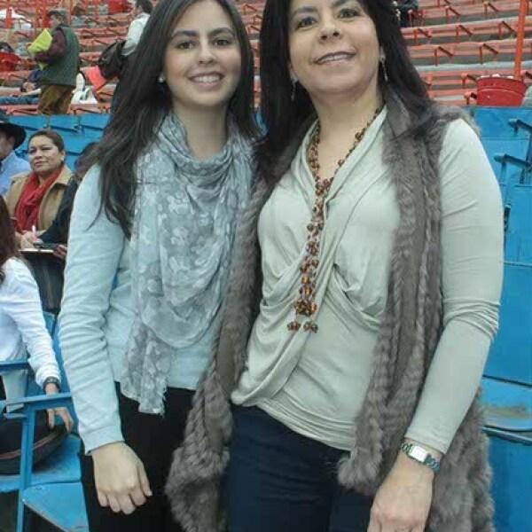 Coral Arellano,Laura Coellar y Vania Domínguez