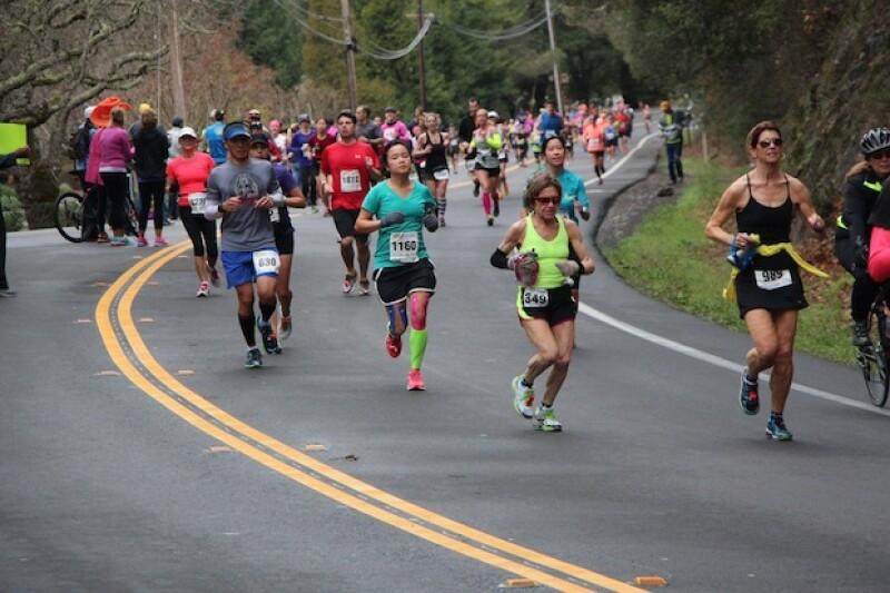 El Maratón del Valle de Napa destaca por los sorprendentes paisajes californianos.