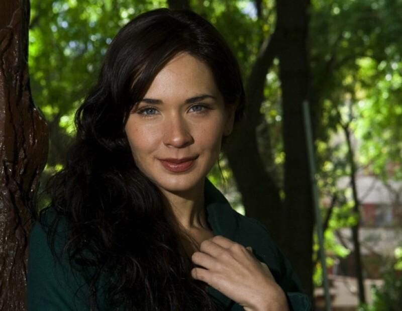 La actriz tiene otra película llamada Fashion Models, en donde da vida a una adicta al trabajo.