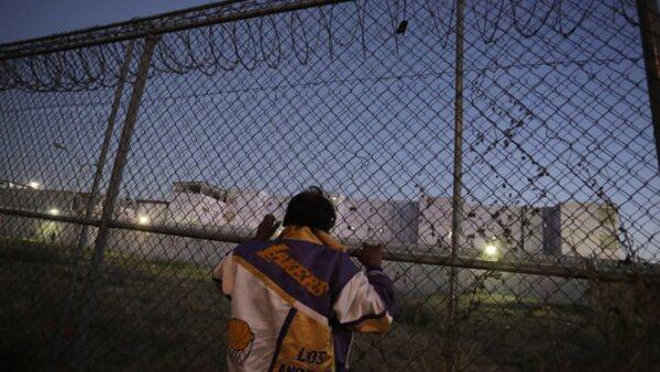 Algunas personas intentaron entrar a las instalaciones penitenciarias por una malla ciclónica, cerca de la zona de proveedores.