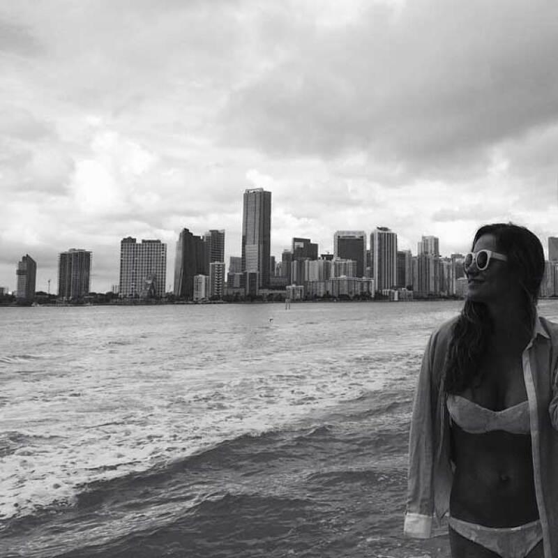 """""""Me dejo llevar por el Viento.. Me muevo en las Olas del destino que escribo día a día y surfeo la Vida acompañada de Ángeles terrenales.. #lovinglife"""""""