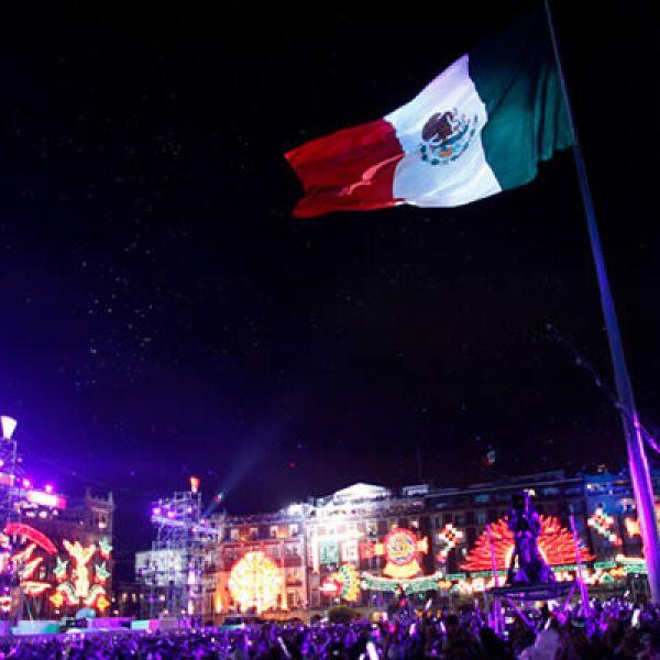 México festejó, celebró y sintió en carne viva el Bicentenario, con una celebración magna en el Zócalo de la capital del país.