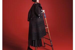 La actriz es imagen de la nueva campaña de Marc Jacobs.