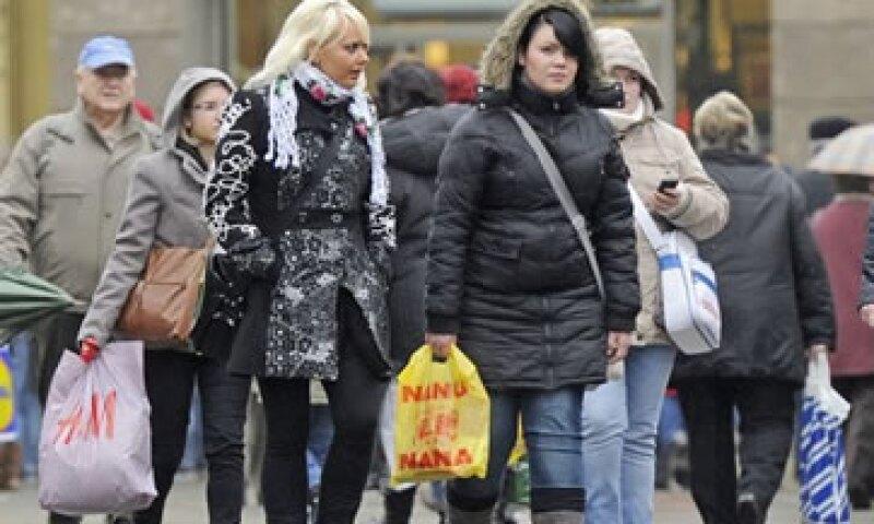La Federación Nacional de Minoristas espera que las ventas hayan trepado 3.8% en el período noviembre a diciembre. (Foto: AP)