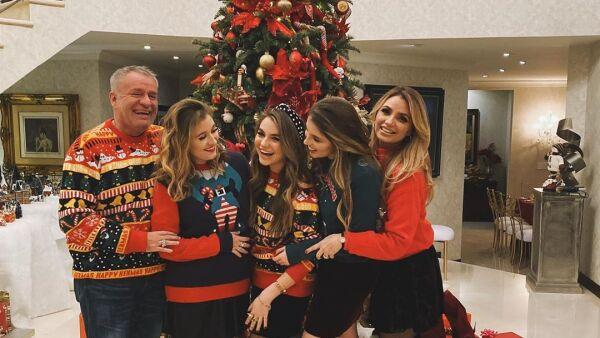 José Alberto Castro, Fernanda, Regina, Sofía y Angélica Rivera
