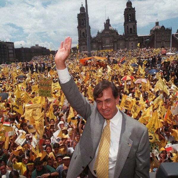 Nominado por el PRD, se ubicó en el tercer lugar de la votación en el 2000 y actualmente apoya la candidatura de López Obrador.